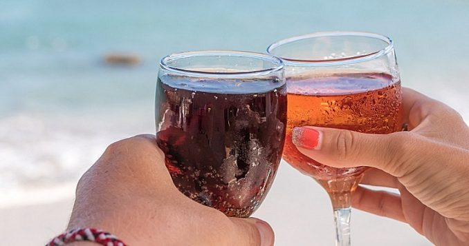 Difference between Sparkling Wine and Champagne